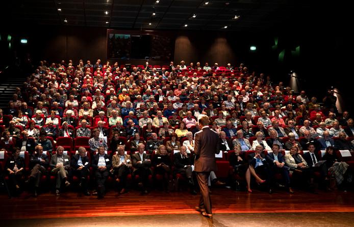 Minister-Hugo-de-Jonge-op-het-jaarcongres-van-KBO-Brabant-in-De-Enkck-in-Oirschot.-Copyright-Rene-Manders-Foto-Van-de-Meule
